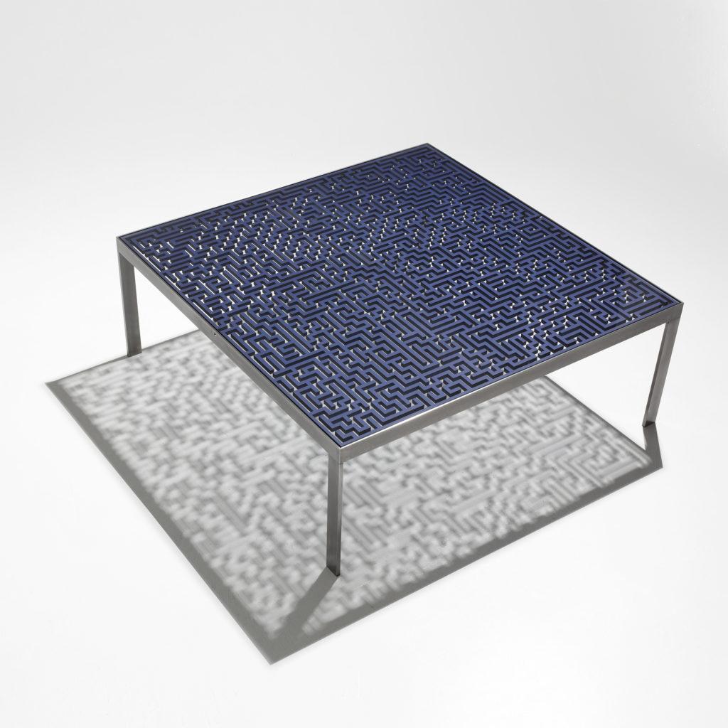 Table labyrinth metal steel